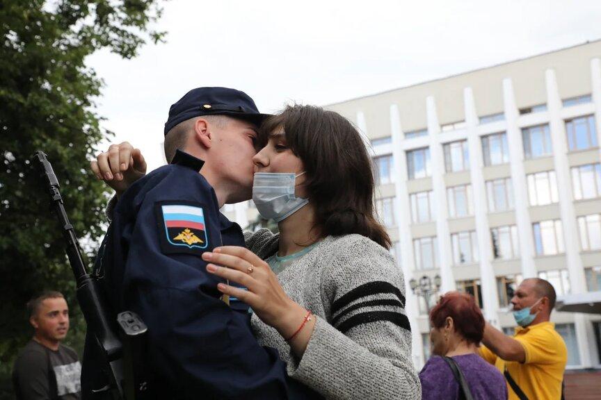 Священный ритуал: в Нижегородском кремле приняли присягу без малого сто призывников