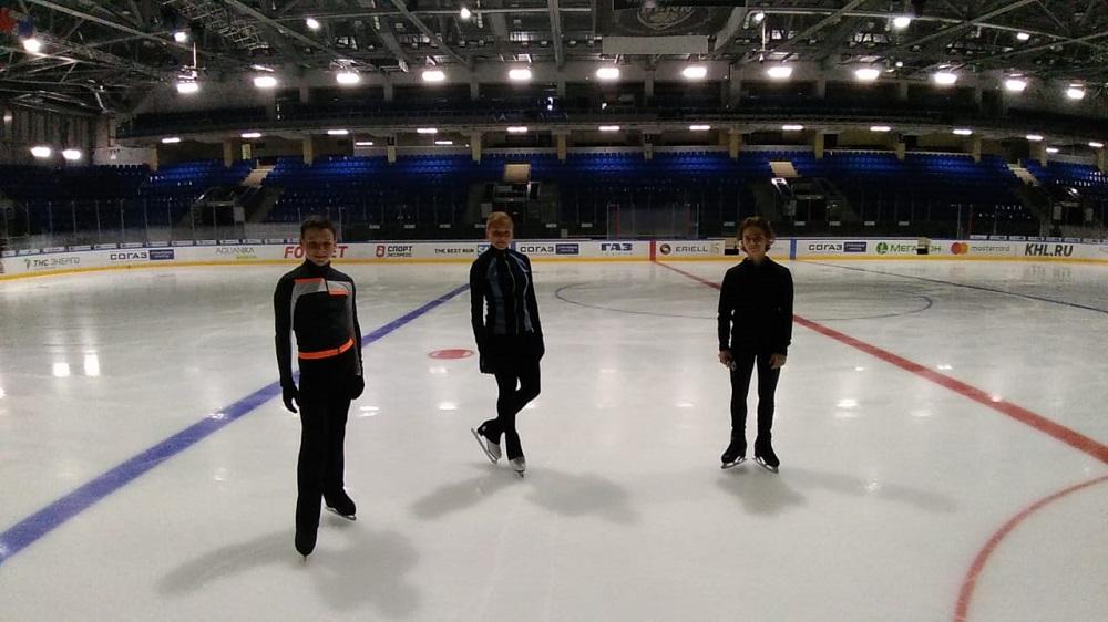 Юные нижегородские спортсмены возобновили тренировки на ледовой арене