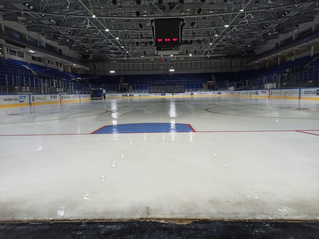 В КРК «Нагорный» залили лёд: смотрим, как изменилась площадка после ремонта