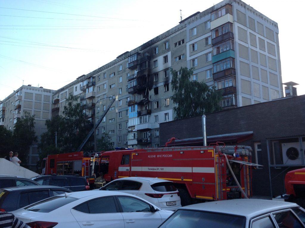 Власти решили временно расселить всех жильцов дома на улице Краснодонцев, где произошёл взрыв