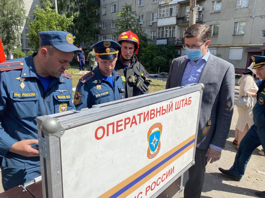 Глеб Никитин встретился с жителями дома на улице Краснодонцев, где взорвался газ