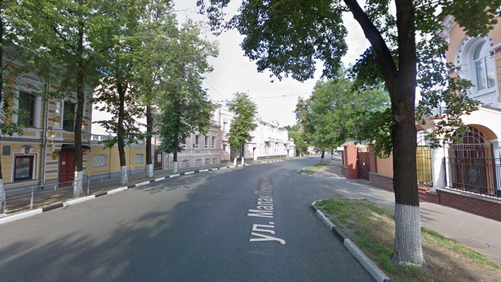 Движение транспорта ограничат на нескольких участках улицы Малой Покровской