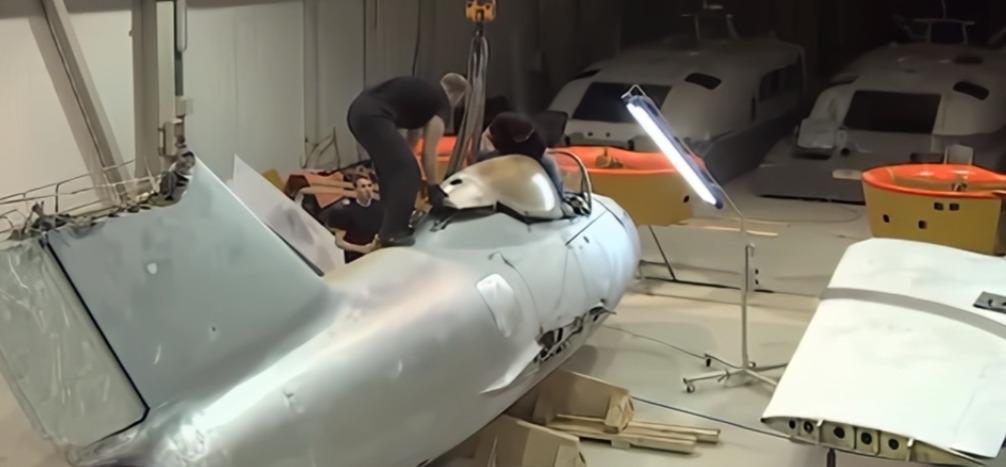 Нижегородцы отреставрировали легендарный МиГ-15 в Бутурлино