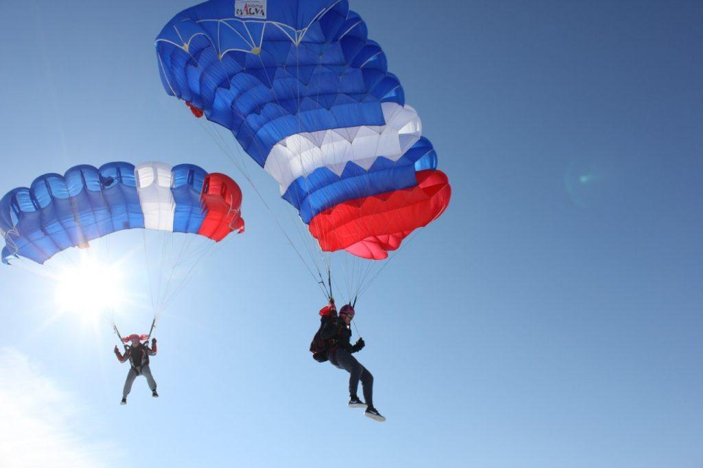 Полет нормальный: нижегородцы рассказали, как правильно «нырять» с неба