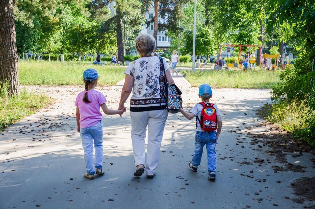 Нижегородка оставила без жилья родных детей и маму