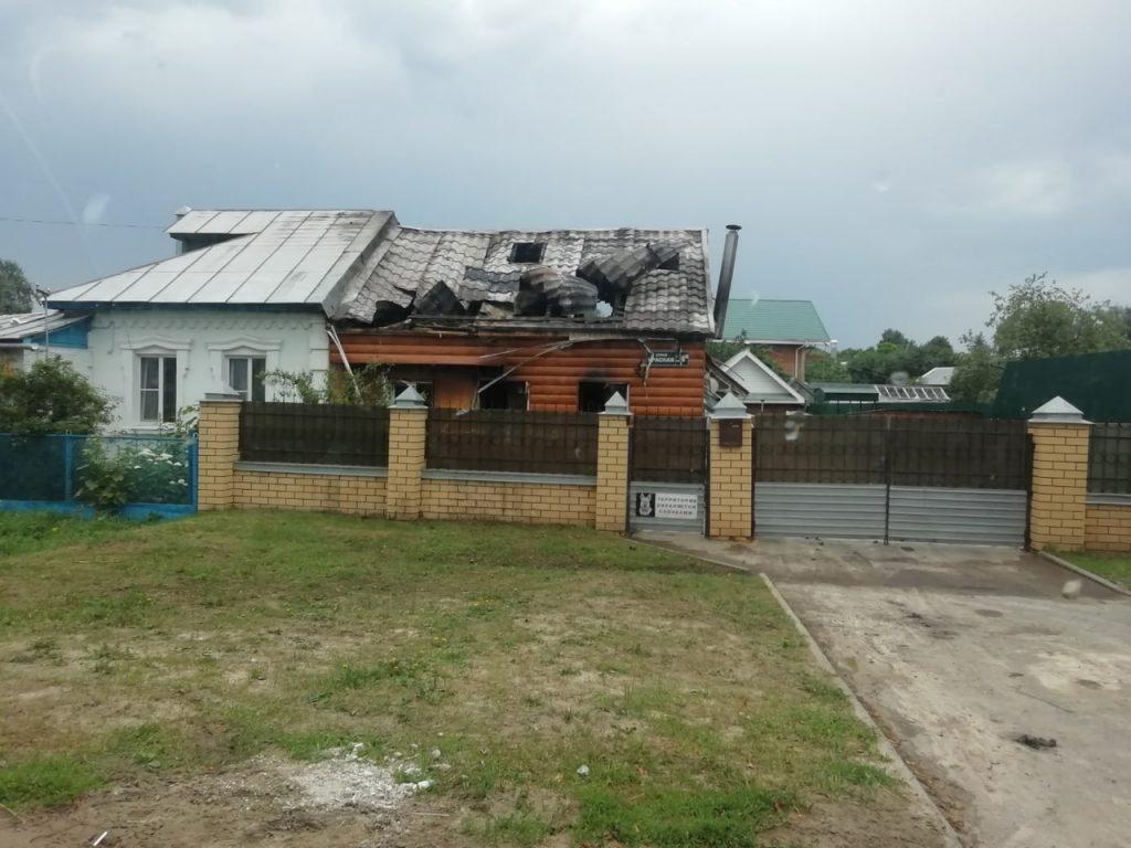 Дом загорелся от удара молнии в Дзержинске
