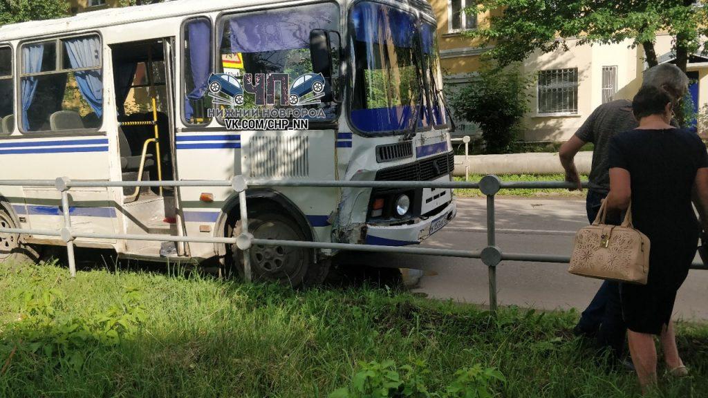 Пьяный водитель автобуса устроил ДТП в Кстове