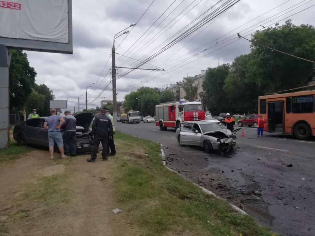 Водитель иномарки погиб в ДТП на проспекте Гагарина