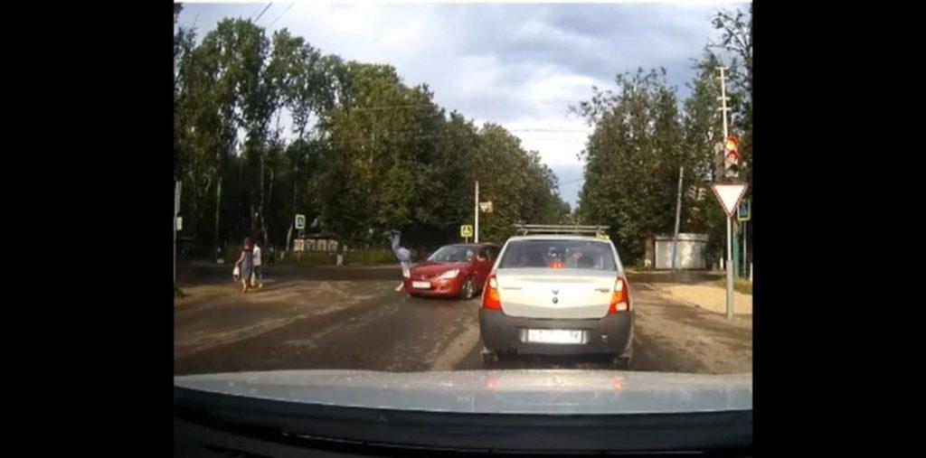 Водитель с 13-летним стажем сбил пешехода на зебре в Павлове