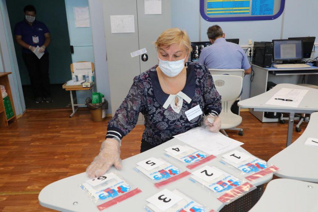 Троих нижегородских школьников удалили с ЕГЭ по биологии за списывание