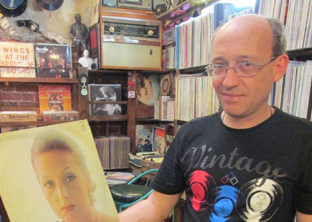 Нижегородский меломан собрал 15 тысяч пластинок