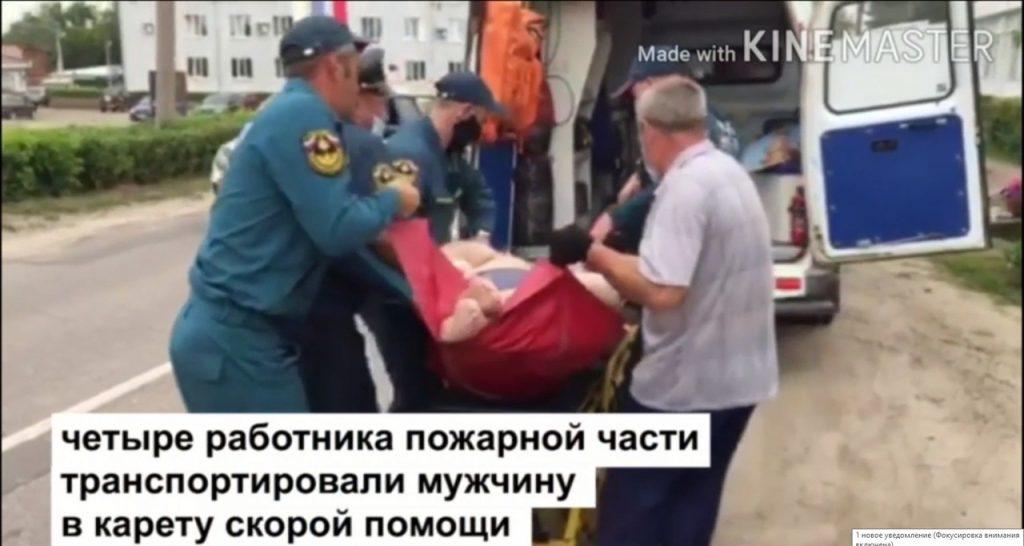 Пожарные транспортировали тяжелобольного пациента в Арзамасском районе