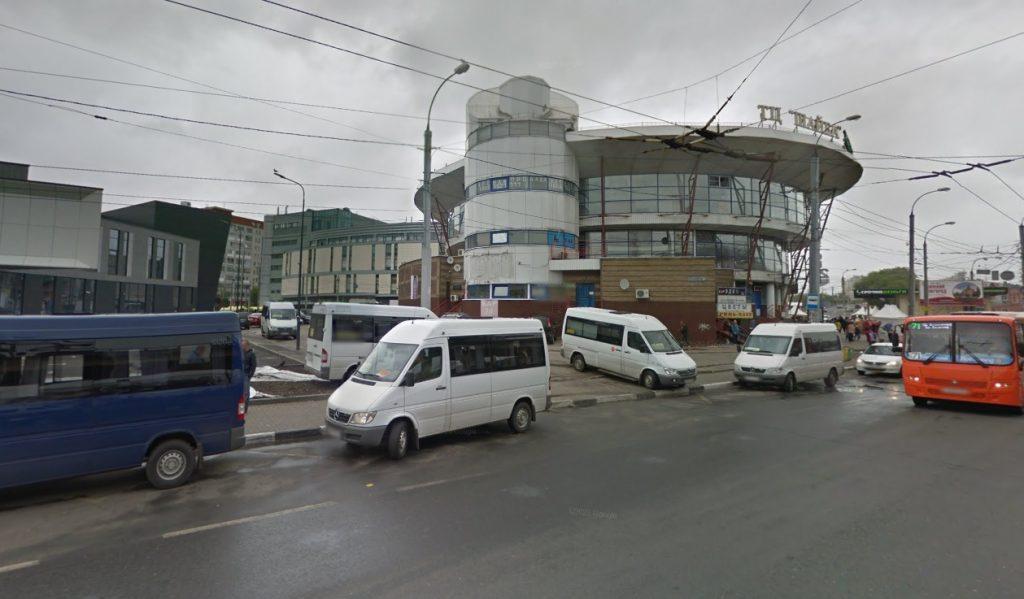 Остановку автомобилей запретят около магазина «Шайба» на Московском шоссе