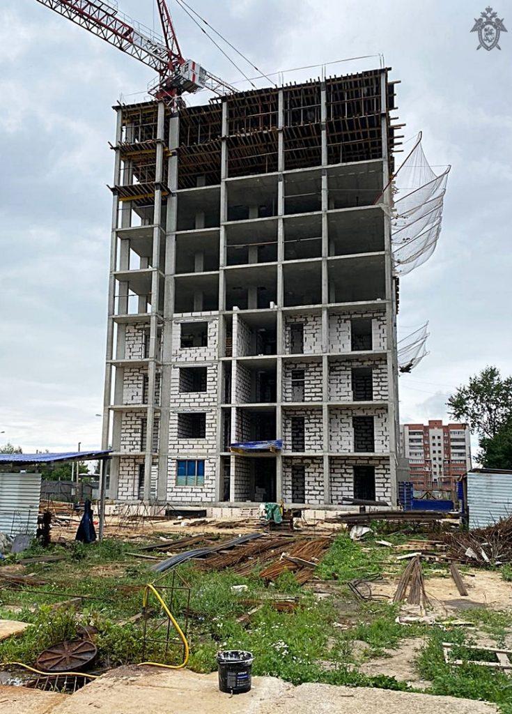 Рабочий разбился насмерть, упав с 8 этажа на стройке в Нижнем Новгороде