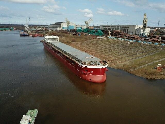 Новый сухогруз «Петротранс — 5902» спустили на воду на «Окской судоверфи» в Навашине