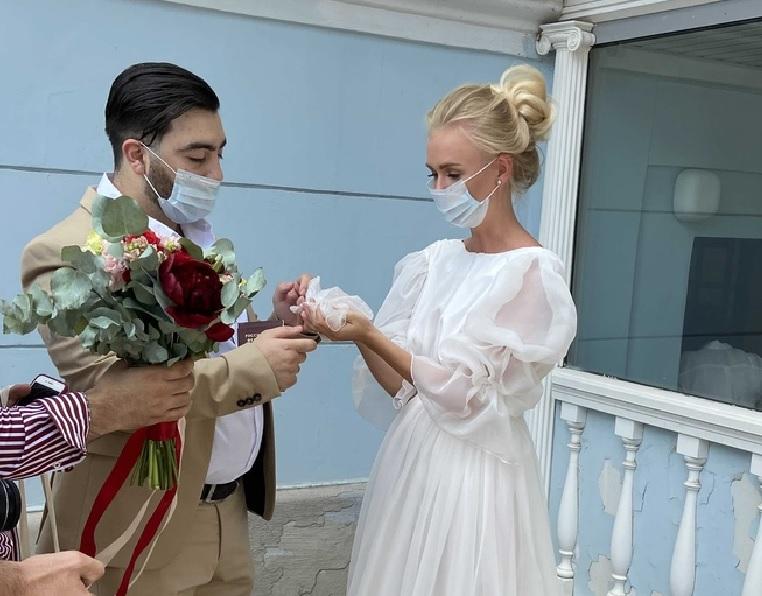 Стало известно, сколько пар поженились во время самоизоляции