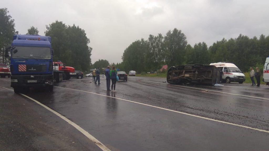 В ДТП с пассажирской «ГАЗелью» в Вачском районе погибла учитель истории