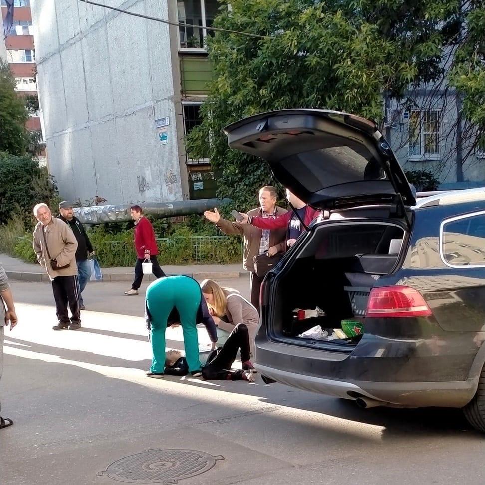 Автомобиль сбил ребенка на самокате на улице Витебской