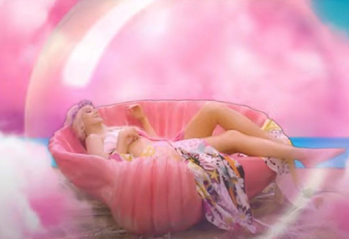 Певица Натали обнажилась ради нового клипа