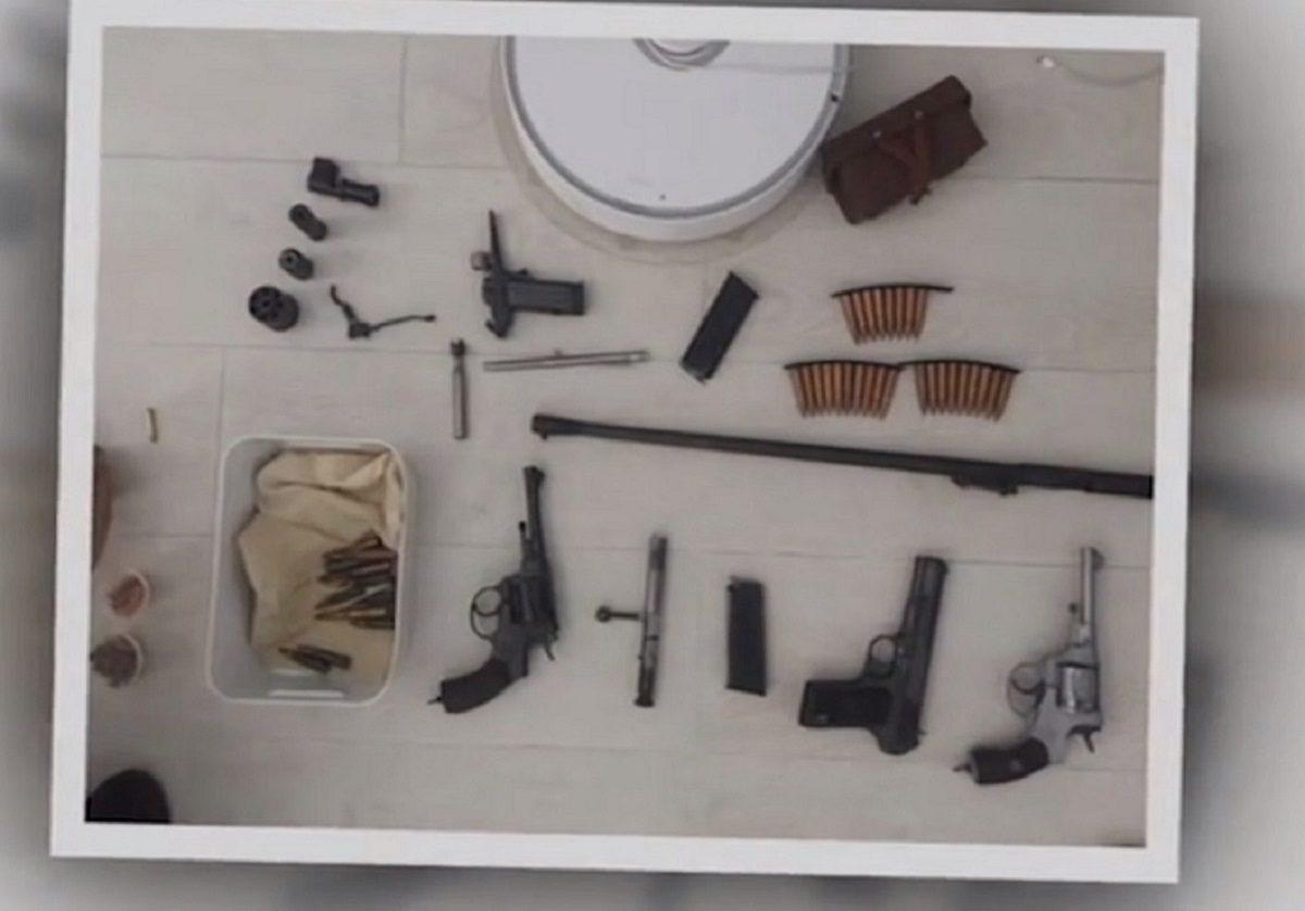 У жителя Дзержинска нашли автомат, пистолет, обрез и боеприпасы