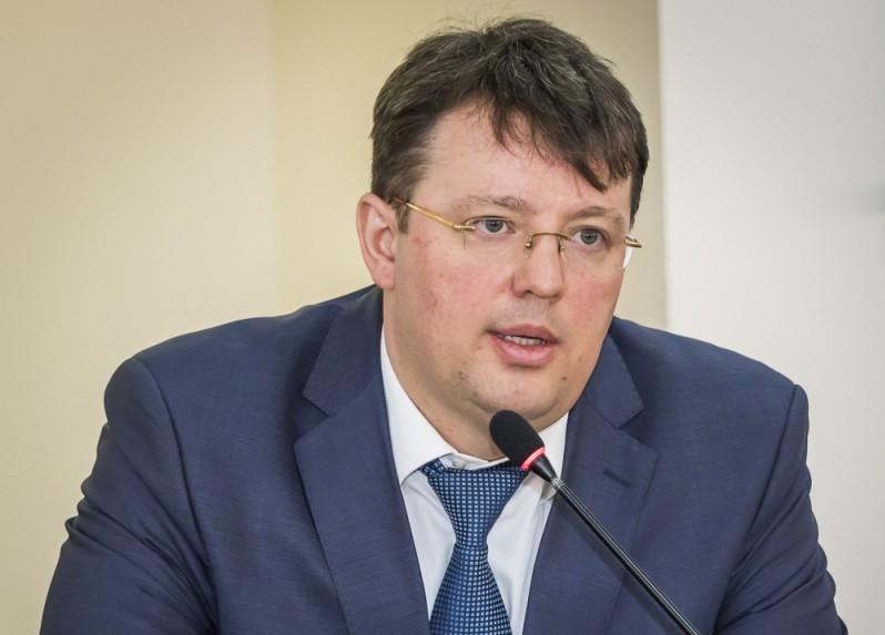 Владимира Исаева, обвиняемого в взятничестве, отпустили под домашний арест