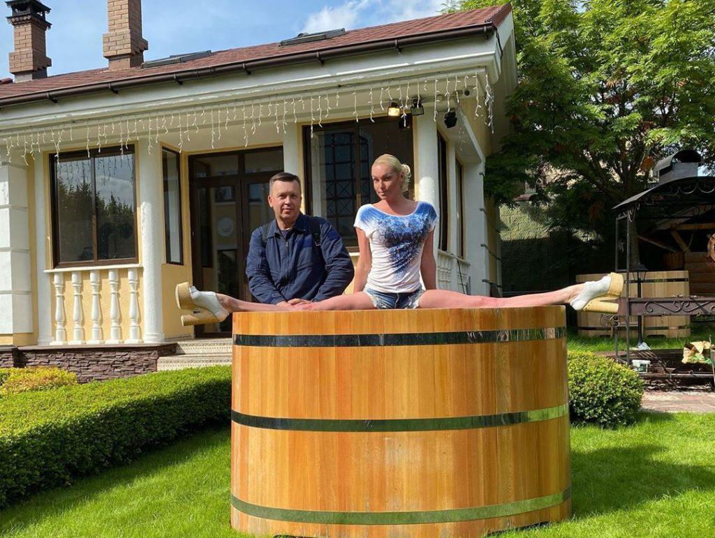 Анастасия Волочкова продает купель, чтобы оплатить штрафы за визит в карантинное Дивеево