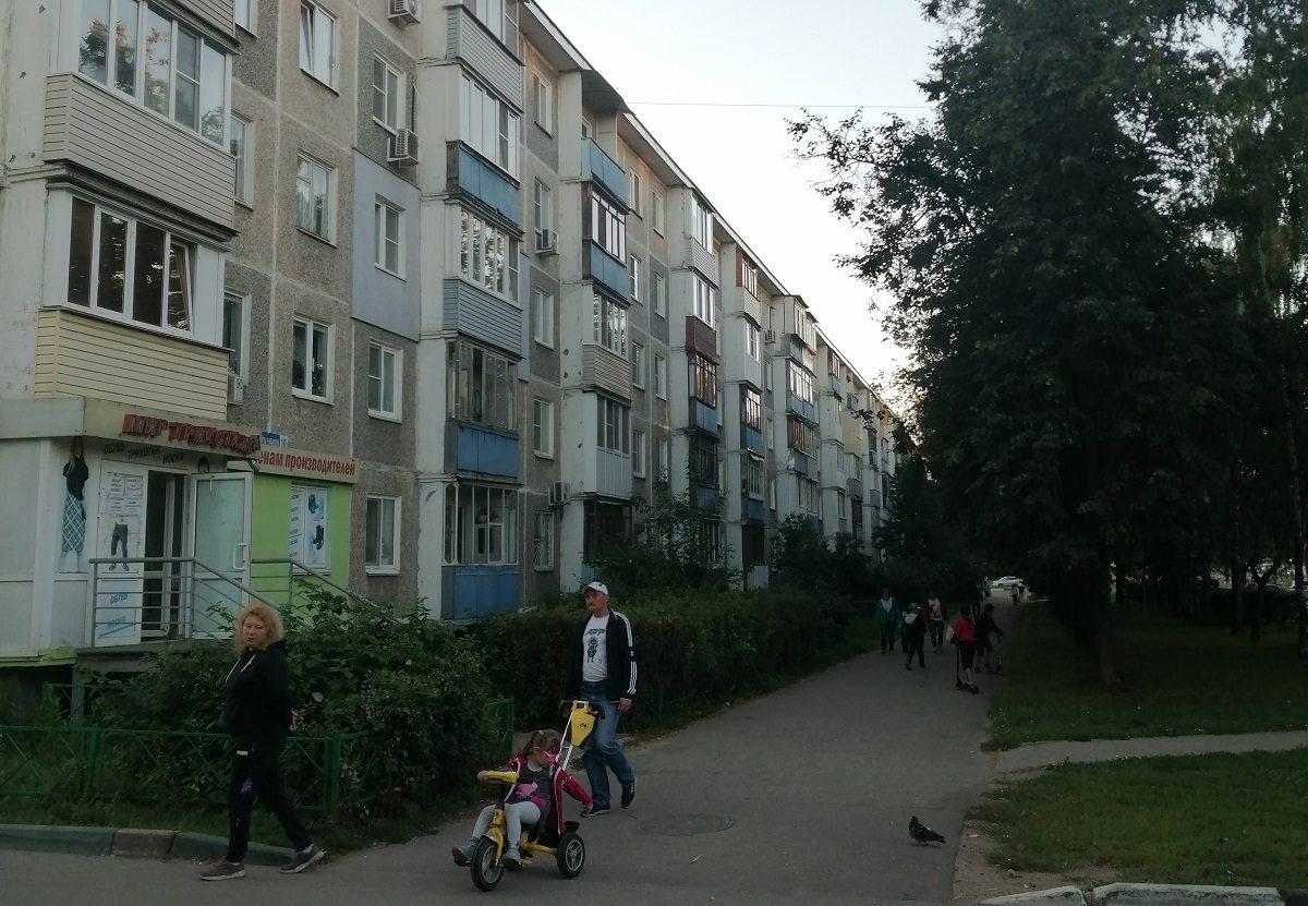 Судебные приставы выселили нижегородку, которая превратила квартиру в свалку