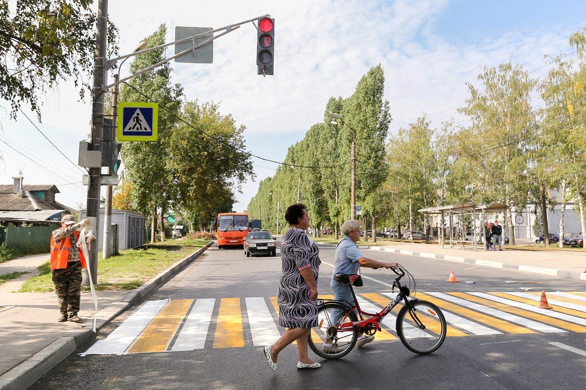 Новый светофор установили рядом с остановкой «Ореховская» после жалоб местных жителей