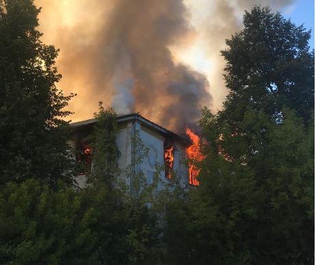 Серьезный пожар разгорелся в Богородске