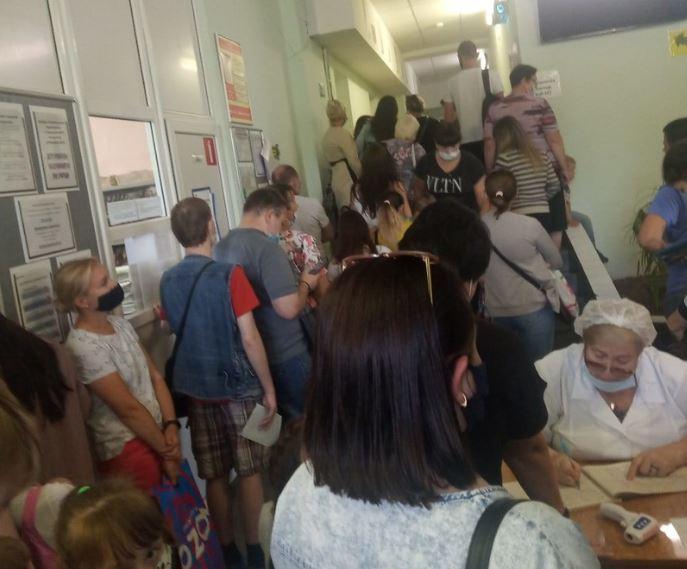Региональный минздрав взял на контроль ситуацию с очередями в нижегородских поликлиниках