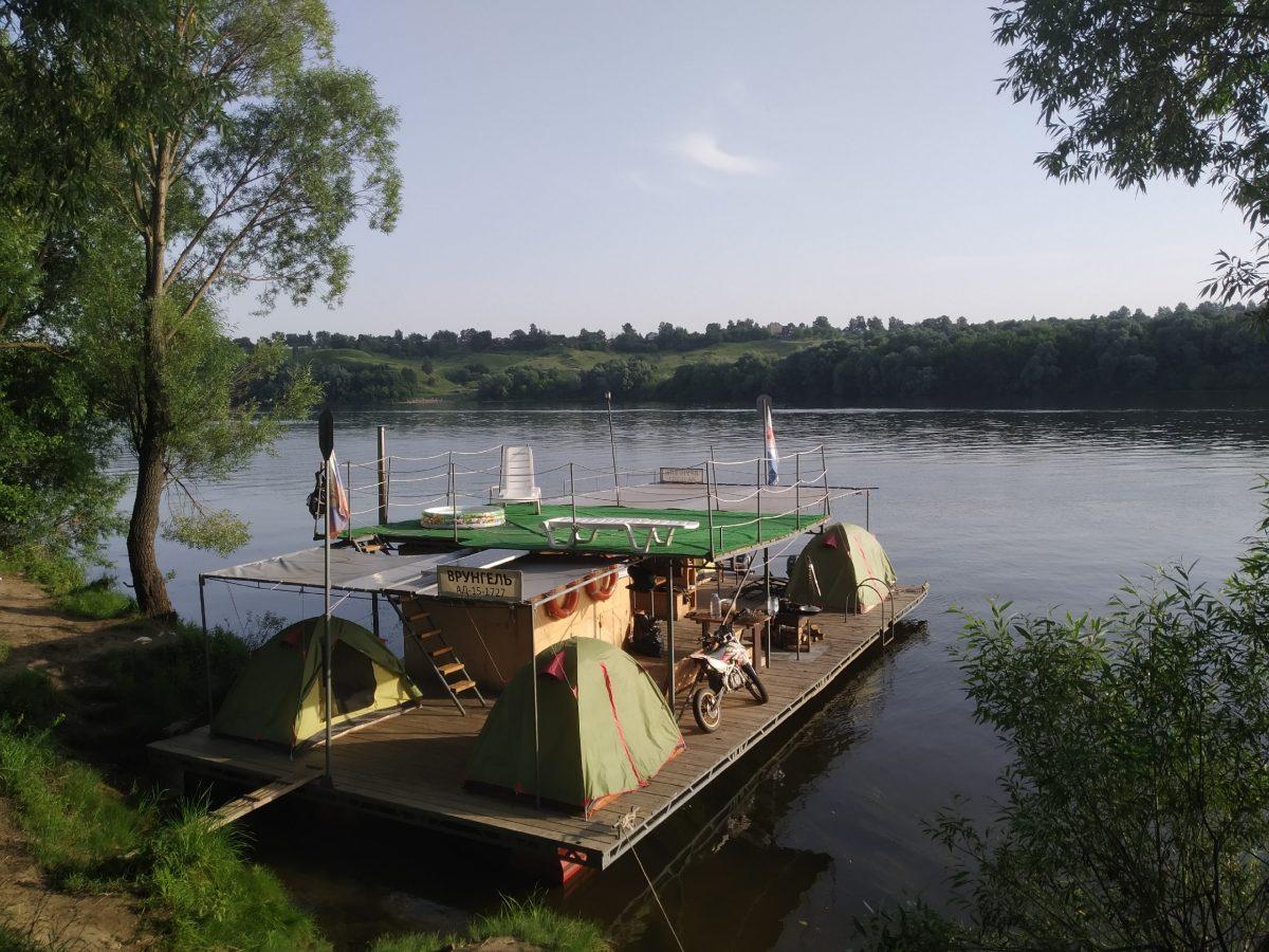 Житель Ростова-на-Дону отправился в речное путешествие на плоту из Калуги в Нижний Новгород