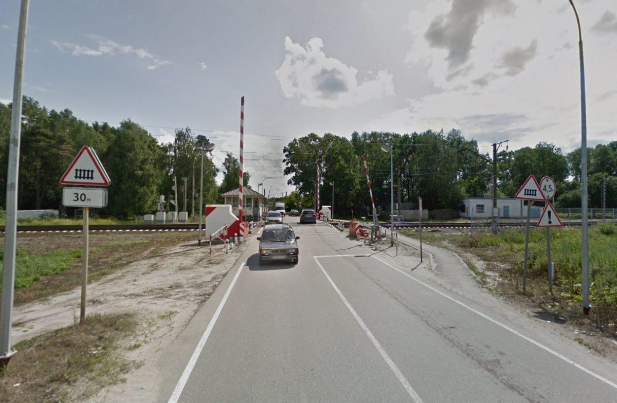 Движение через железнодорожный переезд в Ильиногорске ограничат на несколько дней