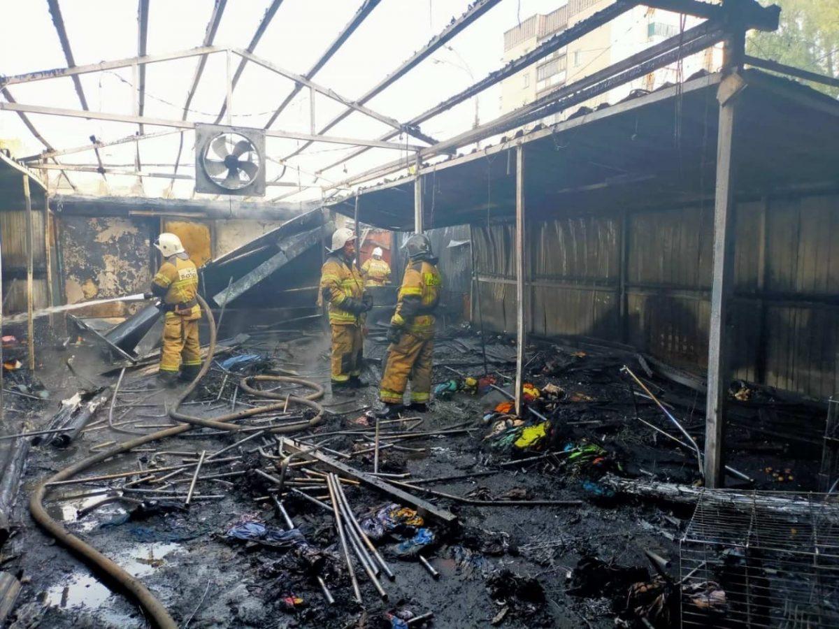Рынок сгорел утром в Автозаводском районе (ФОТО)
