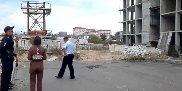 Дзержинская школьница упала с десятого этажа на стройплощадке и выжила