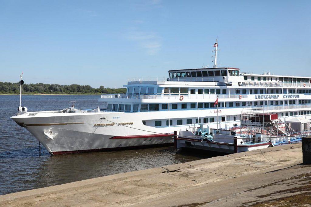 «ВодоходЪ» отменил все рейсы теплохода «Александр Суворов» до 11 августа после вспышки COVID-19 на борту