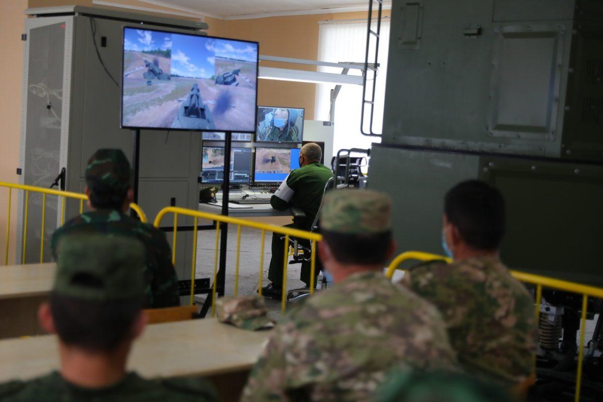 Иностранные инженеры протестировали российские тренажеры (ФОТО)