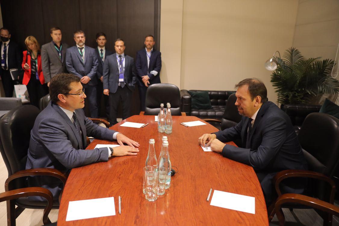 Глеб Никитин провел рабочую встречу сруководителем Аналитического центра при ПравительствеРФ Константином Калининым