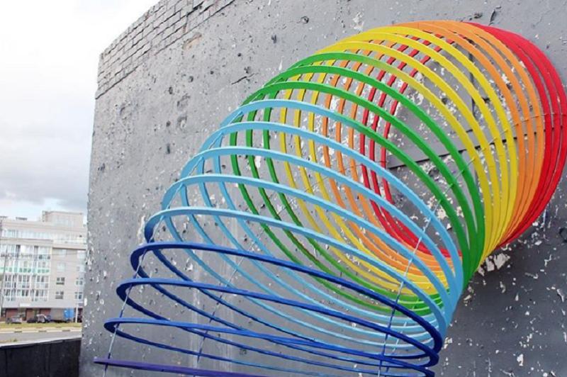 Новый арт-объект появился на крыше теплопункта на Мещерском бульваре