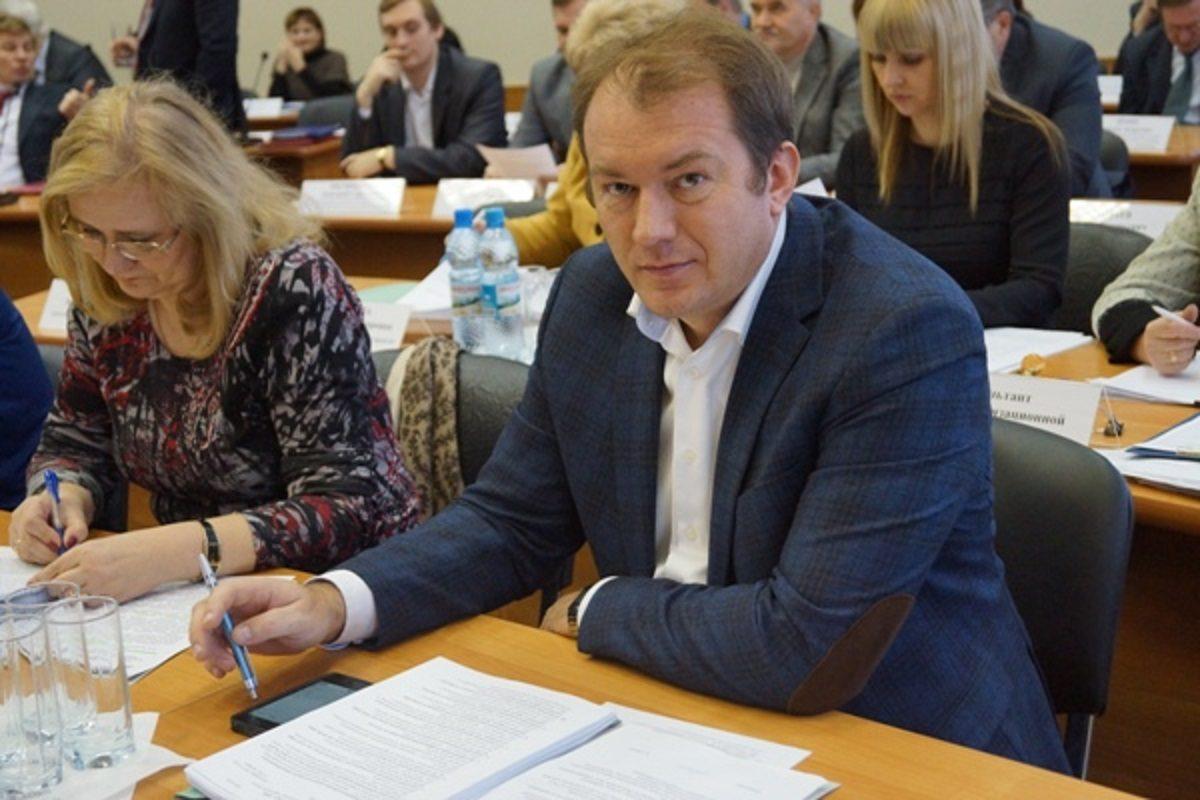 Бывший замглавы Дзержинска ранен в голову: разбираемся в причинах трагического происшествия