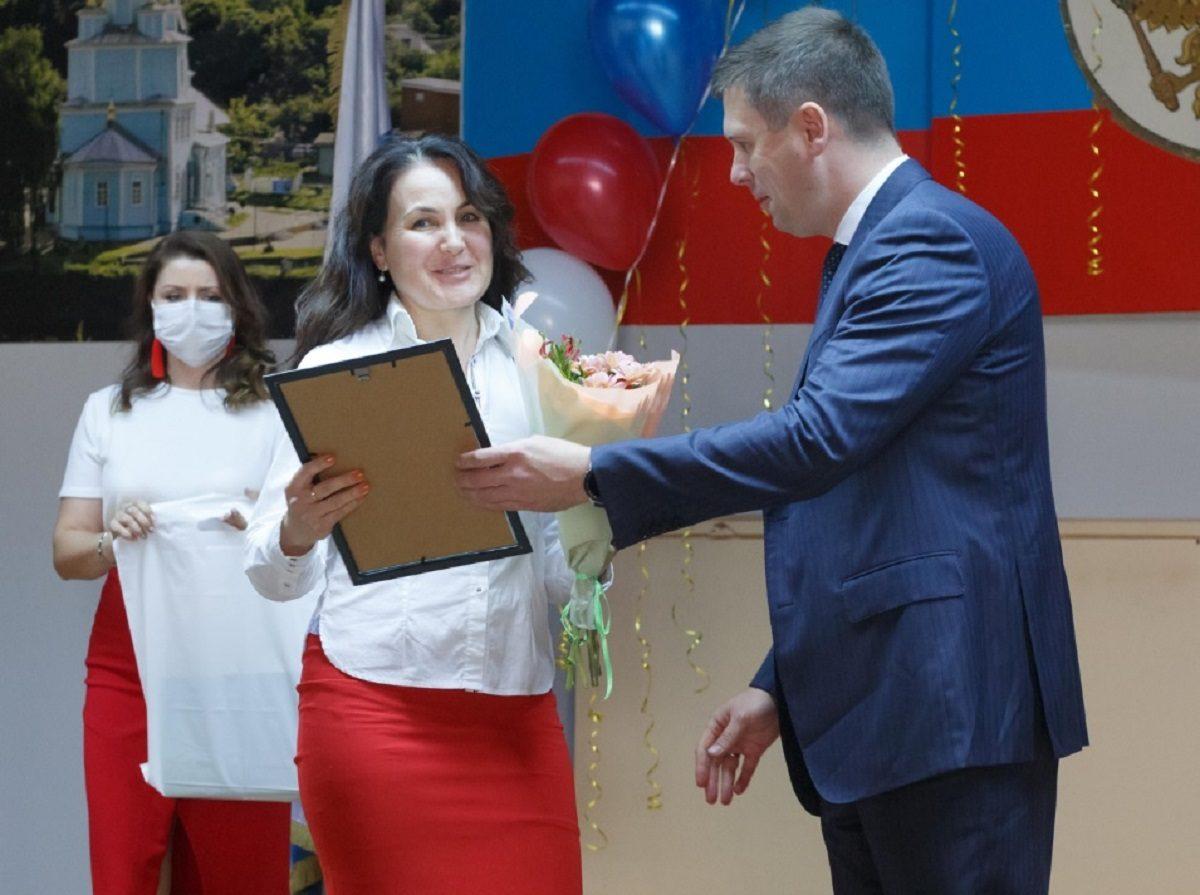 Андрей Гнеушев вручил награды губернатора Нижегородской области заслуженным жителям Кстовского района