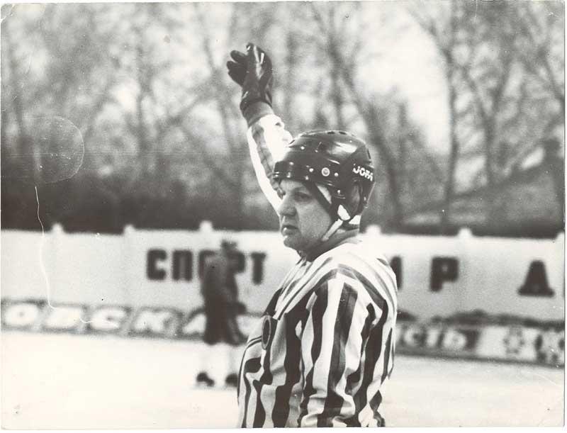 Ушёл из жизни известный нижегородский хоккейный арбитр Вячеслав Иванов