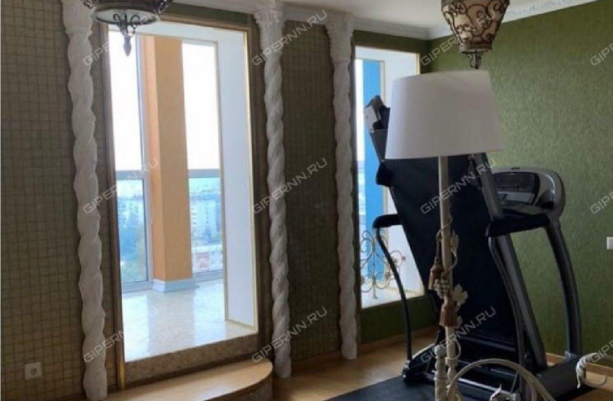 Квартиру в Верхних Печёрах с панорамными окнами и элитным ремонтом продают за 25 млн рублей