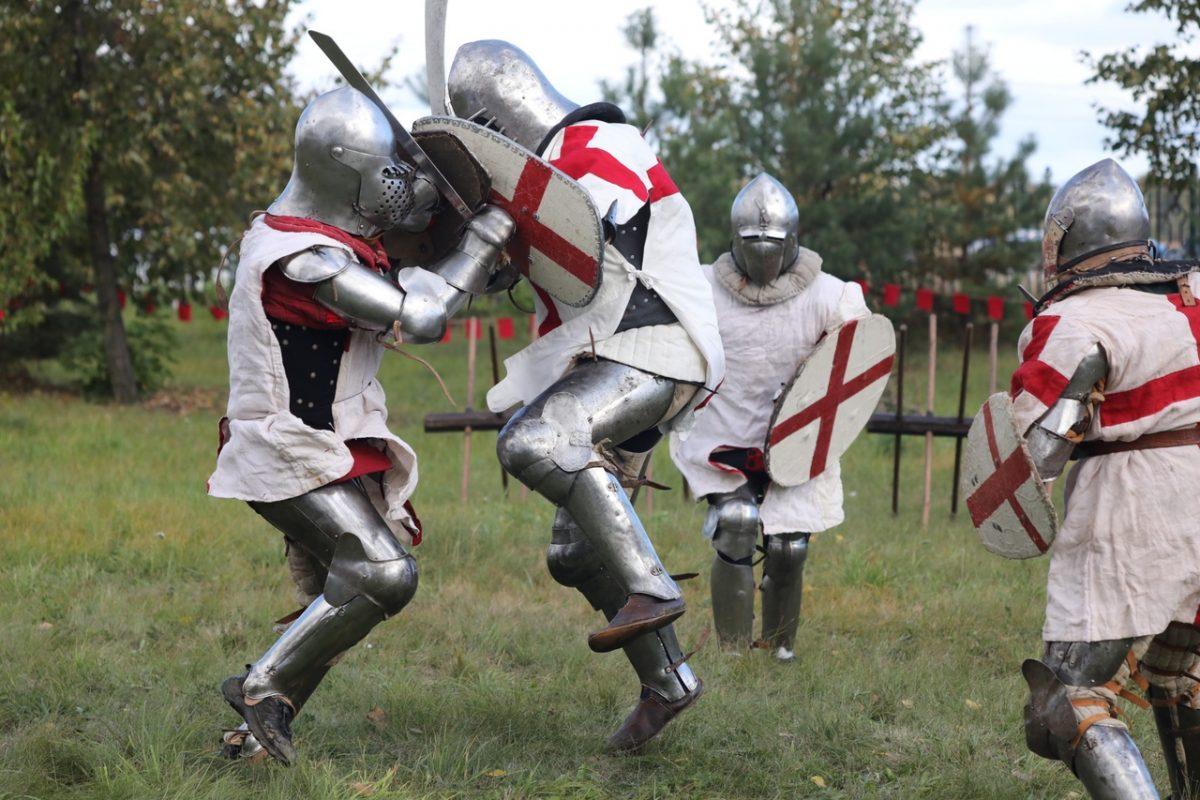 Интервью с варягами, средневековые ремесла и турниры: смотрим, как проходит фестиваль живой истории в Нижнем Новгороде