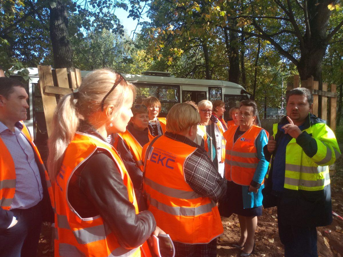 Директора школ и представители родительских комитетов Приокского района посмотрели, как проходит реконструкция парка «Швейцария»