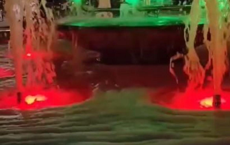 Дети устроили «пенную вечеринку» на 1 сентября в фонтане Сормовского парка