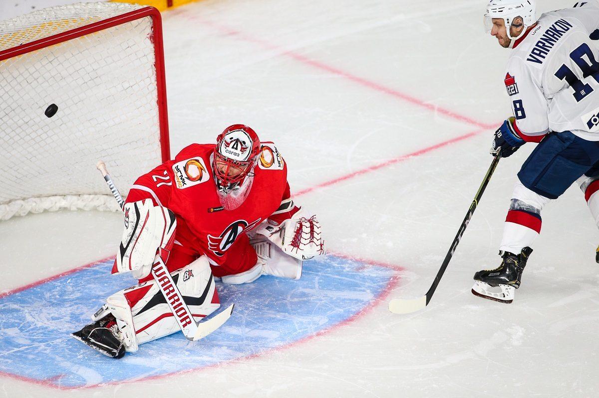 Хоккеисты «Торпедо» с победы начали выездную серию игр