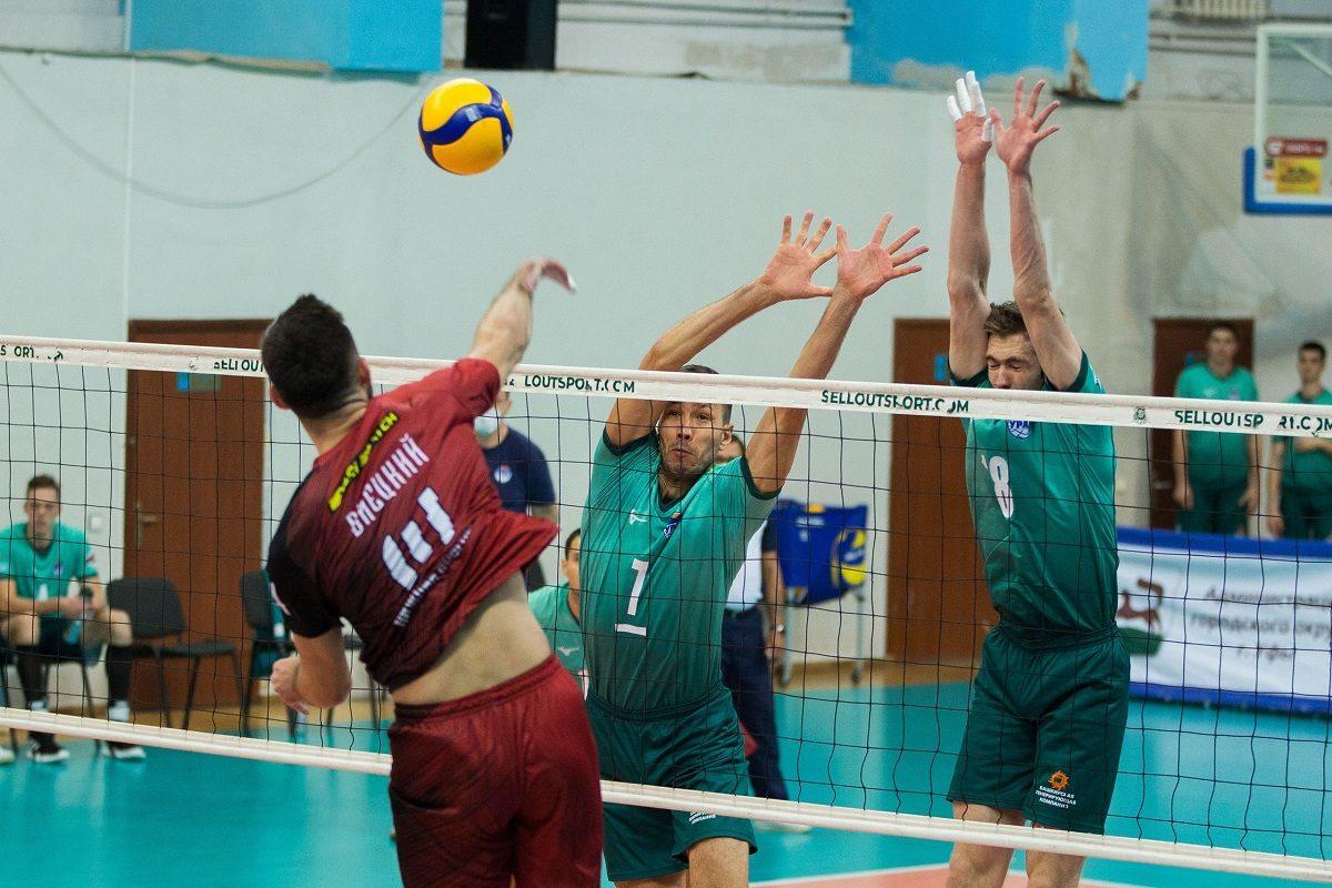 Волейболисты АСК завершили игры первого круга Кубка России