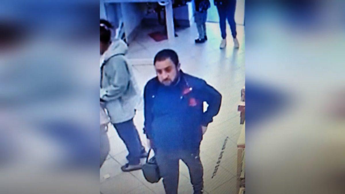 Нижегородка забыла в банкомате 13 тысяч рублей, и их украли