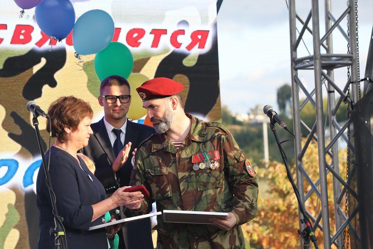 Встали на пути боевиков: ветеранам боевых действий вручены памятные медали