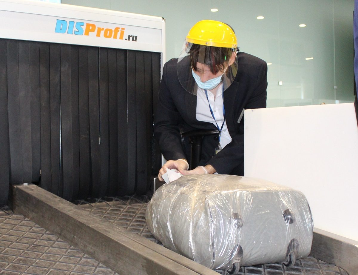 Кабины для дезинфекции багажа установили в аэропорту Стригино